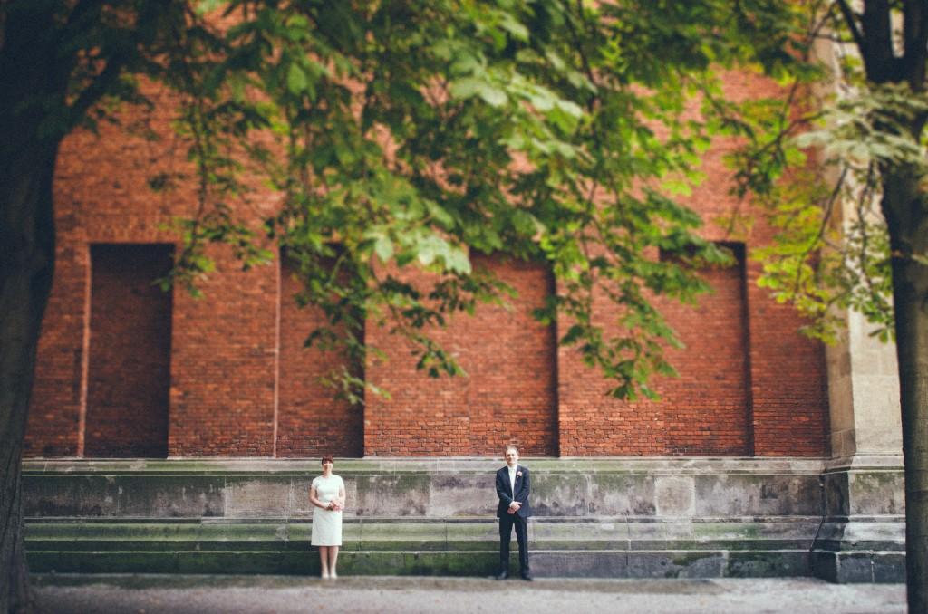 Brautpaar Portrait an der Neuen Wache