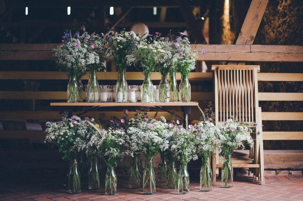 Blumendeko für Hochzeit