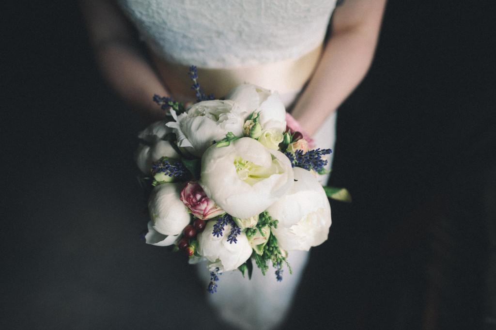 Hochzeitsfotograf_Berlin_Brautstrauss