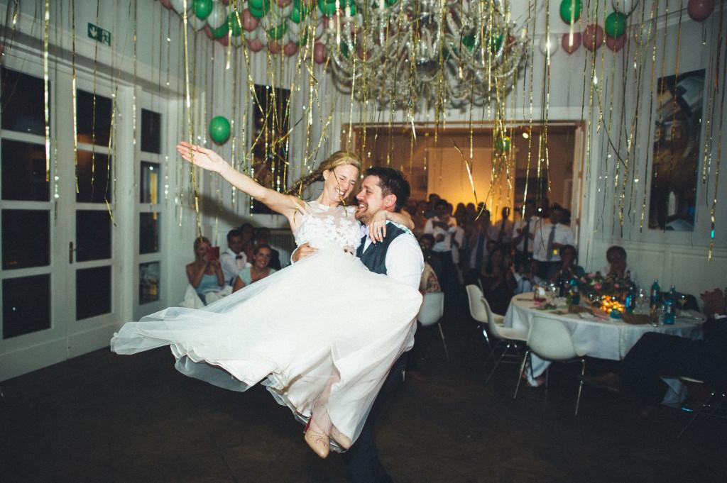 94_Hochzeitsfotograf_Berlin_Hochzeitstanz