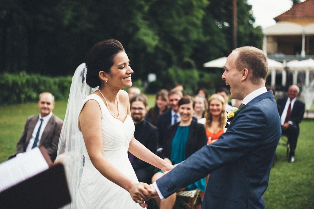 30 Hochzeitsfotograf Berlin freie Trauung im Freien