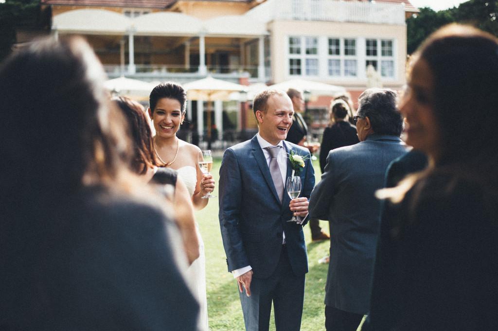 34 Hochzeitsfotograf Berlin freie Trauung Sekt