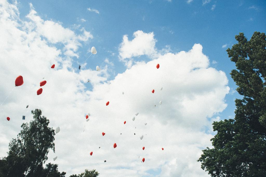 37 Hochzeitsfotograf Berlin Luftballons