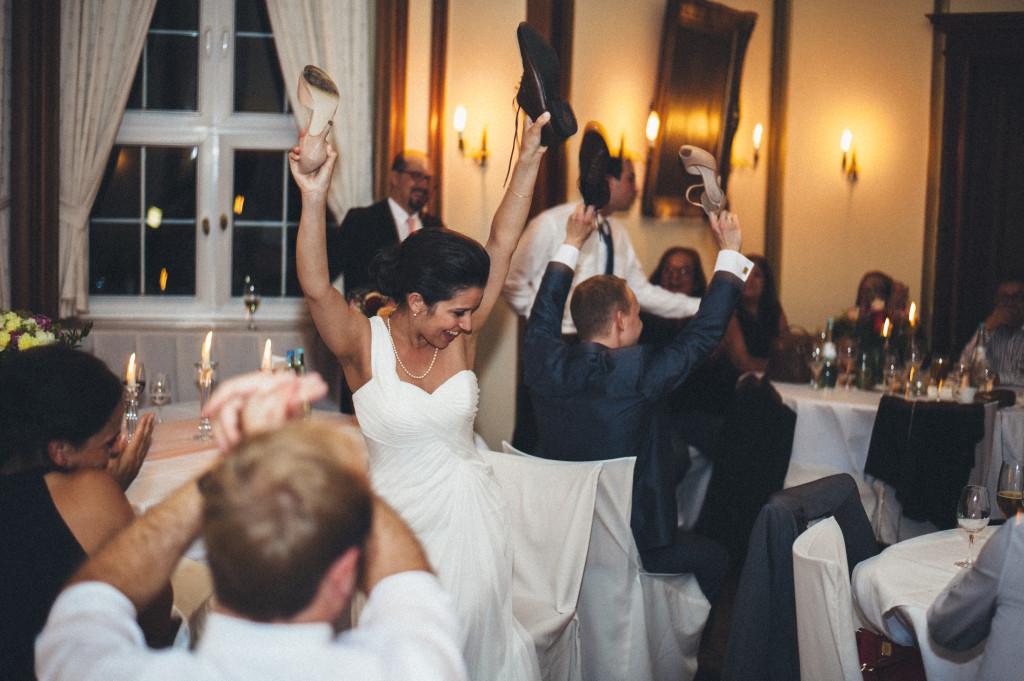 48 Hochzeitsfotograf Berlin Spiel Schuhe