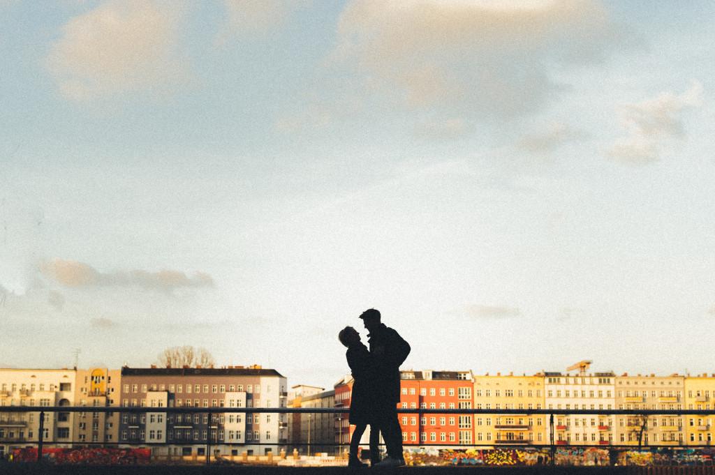 Verlobungsshooting in Berlin Silhouetten